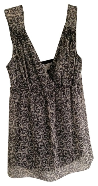 Preload https://item4.tradesy.com/images/max-studio-black-and-white-night-out-top-size-2-xs-1237243-0-0.jpg?width=400&height=650