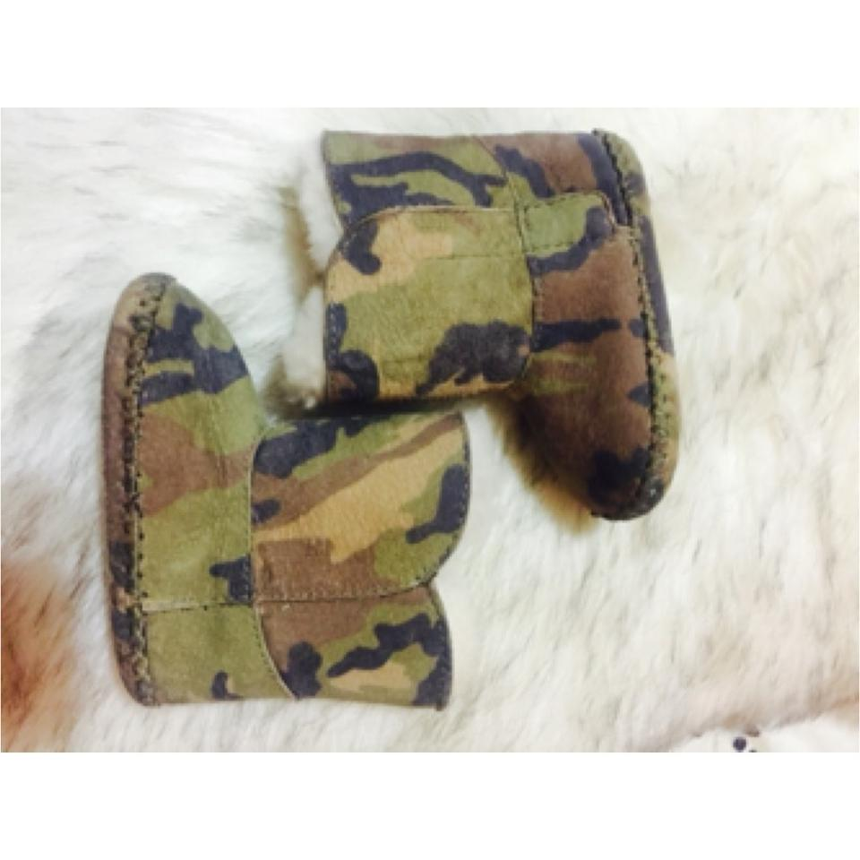 a90fa62e857 UGG Australia Army Fatigue / Camo Boots/Booties Size US 5.5 Regular (M, B)  51% off retail