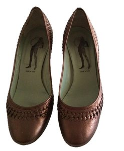 Belle by Sigerson Morrison Puter/bronze Formal