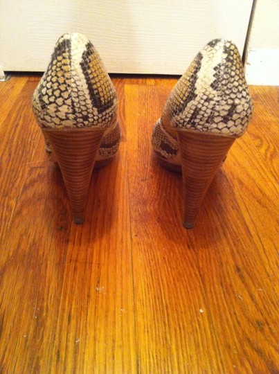 Boutique 9 Snake Print Reptile Heels Ivory Multi Pumps