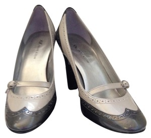 Anne Klein Pewter black/grey patent leather Pumps