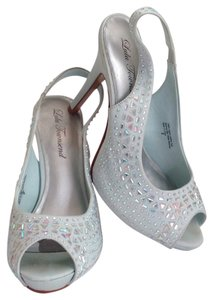 Lulu Townsend White & Silver with Rhinestones Pumps