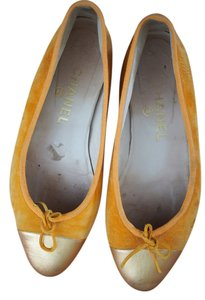 Chanel Gold Toe Ballet Two Tones Classic ORANGE Flats