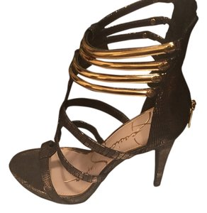 Jessica Simpson Light Gold and Black Pumps