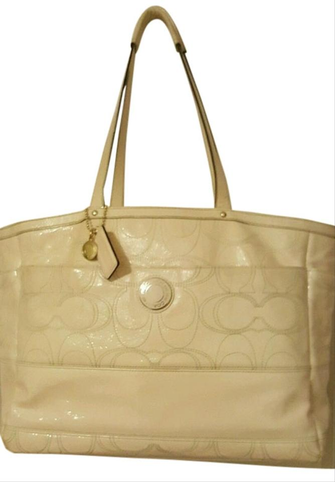 Coach Carry All Computer Stylish Fashion Ivory Travel Bag