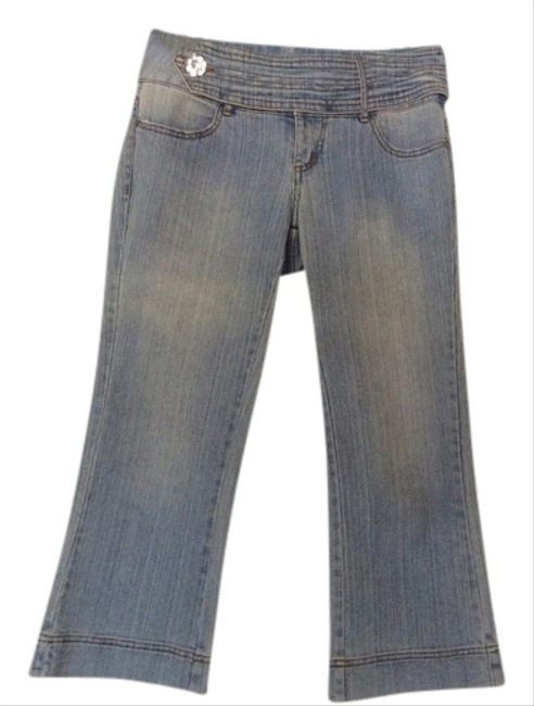 Preload https://item5.tradesy.com/images/cache-light-blue-medium-wash-capricropped-jeans-size-29-6-m-1241124-0-0.jpg?width=400&height=650