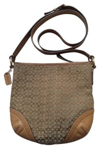 Coach Canvas Slingbag Monogram Signature C Cross Body Bag