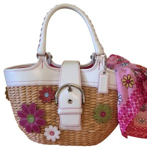 Coach Tote in White And Pink