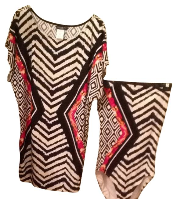 Item - Black and White with Some Red and Yellow One-piece Bathing Suit Size 8 (M)