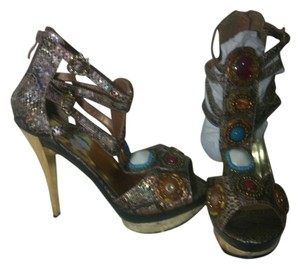 Apple Bottoms Gold and snakeskin pattern Sandals