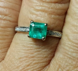 SALE 1.0ct NATURAL EMERALD & DIAMOND 14k WHITE GOLD ENGAGEMENT RING