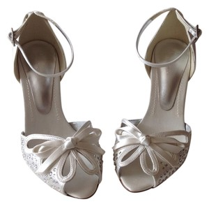 Bourne Upper Satin Fabric Leather Ivory satin Sandals