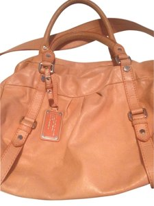 Marc by Marc Jacobs Dr Q Groovee Cross Body Bag