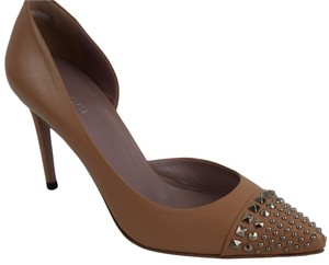 Gucci Studded Leather Beige (Camelia) Pumps