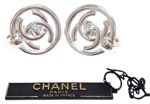 Chanel Chanel #5087 Round Silver Turnlock CC drops Clip on earrings