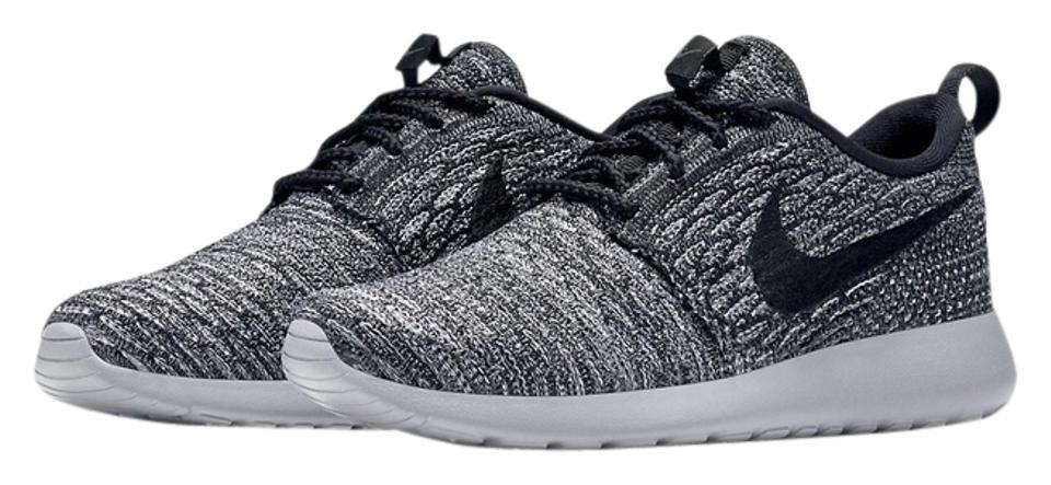 Nike GreyWhiteBlack Rare Sold Out Roshe Flyknit Women's Fits 7 Sneakers Size US 6.5 Regular (M, B)