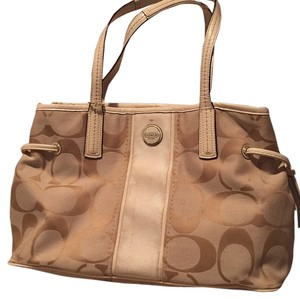 Coach Tote in Khaki/Cream