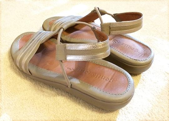 Gentle Souls Leather Gladiator Comfortable Silver / Platinum / Taupe Sandals
