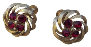Lisner Vintage Gold Tone Red Austrian Crystal Rhinestones Screwback Screw On Back Earrings Made By Lisner 1950s