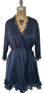 Anthropologie Robe Lace Romantic Lounge Top Blue