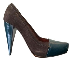 Jonathan kelsey Brown Pumps