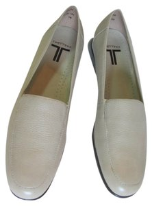 Trotters Leather Size 8.50 BEIGE Flats