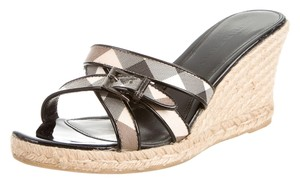 Burberry Beige Multicolor Patent Beige, Black Sandals