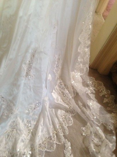 Virgin White-acid Neutral Interior Formal Wedding Dress Size 6 (S)