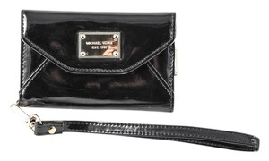 Michael Kors Mk Iphone 4s/4 Wristlet in Black