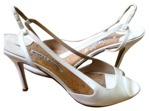 Manolo Blahnik Ivory Formal