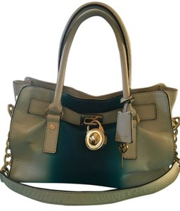 Michael Kors Satchel in turquoise/white