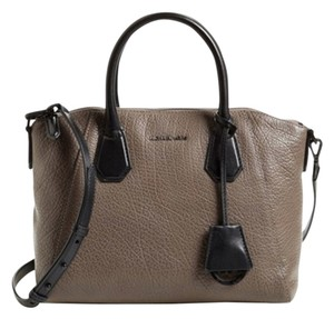 Michael Kors Satchel in CINDER BLACK