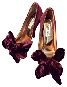 Badgley Mischka Purple Pumps