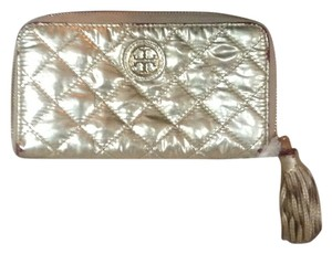 Tory Burch 100% Authentic Tory Burch Gold Zip Around Wallet