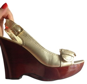 Nine West Platform Leather Slingback Buckle Hardware Monitoru Gold Wedges