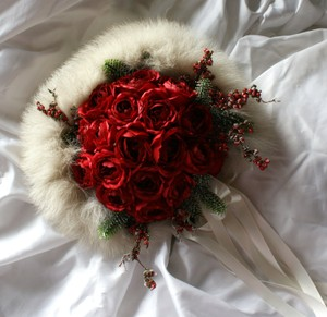 Red Rose Christmas Bridal Wedding Bouquet With Fox Fur Collar