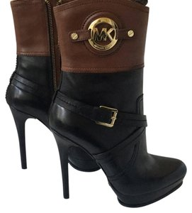 MICHAEL Michael Kors Two-tone. Black/Luggage Boots