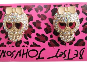 Betsey Johnson NEW WITHOUT TAGS BETSY JOHNSON SKULL EARRINGS