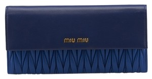 Miu Miu Miu Miu Crossbody Blue Matelasse Leather Snap Wallet (74410)