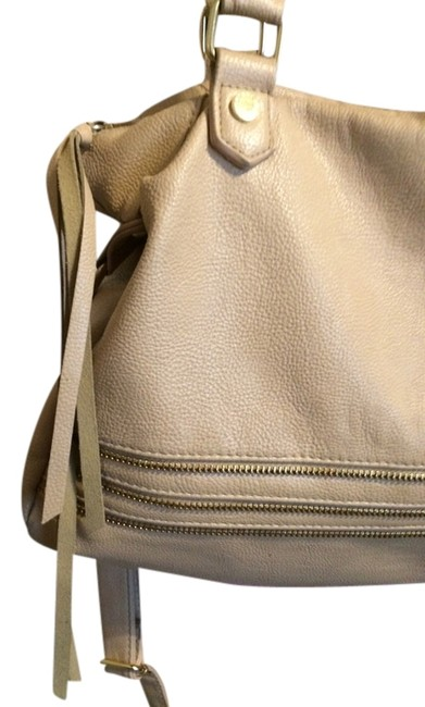 Item - Modern Classy Goes with Anything Cream Leather Shoulder Bag