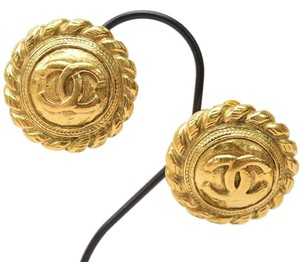 Chanel Authentic Vintage Chanel Clip On Earrings Gold tone Round