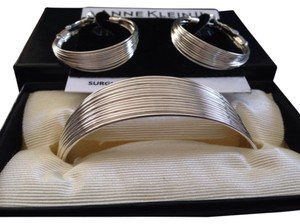 Anne Klein Anne Klein II Set bracelet & pierced earrings