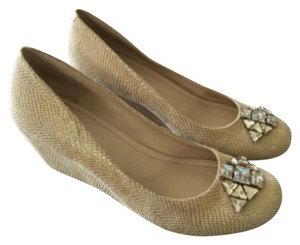BCBGeneration Beige Wedges