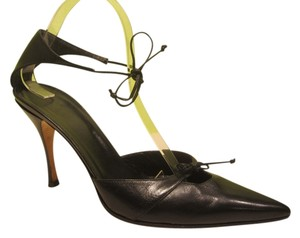 Gucci 9 Pointy Leather Heels Ankle Bows Black Pumps