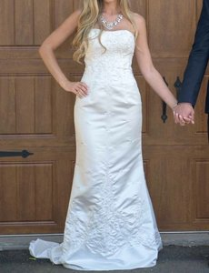 Mary's Bridal Sweetheart Strapless Beaded Mermaid Wedding Dress Size 6 Wedding Dress