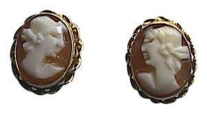 Vintage 14k Yellow Gold Cameo Stud Pierced Earrings
