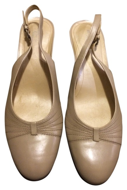 Item - Nude Beige Pearl White Champagne Gold Comfort Pumps Size US 7 Regular (M, B)