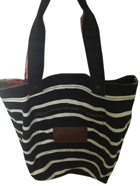 Item - Navy Blue/White/Floral Tote