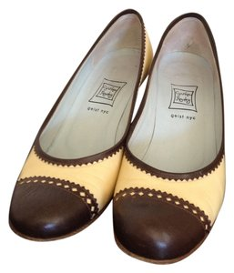 Cynthia Rowley Spectator Round Toe Brown and Yellow Pumps