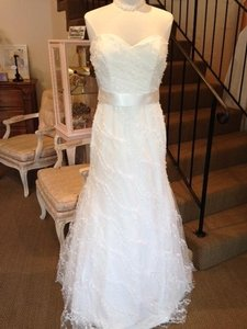 Modern Trousseau Diamond White Thai Silk Tulle Hattie Feminine Wedding Dress Size 8 M